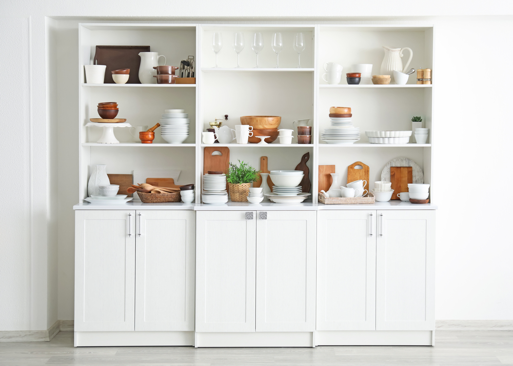 Doorless kitchen cabinets
